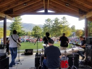 Groovin' on Grovemont Outdoor Concert Series